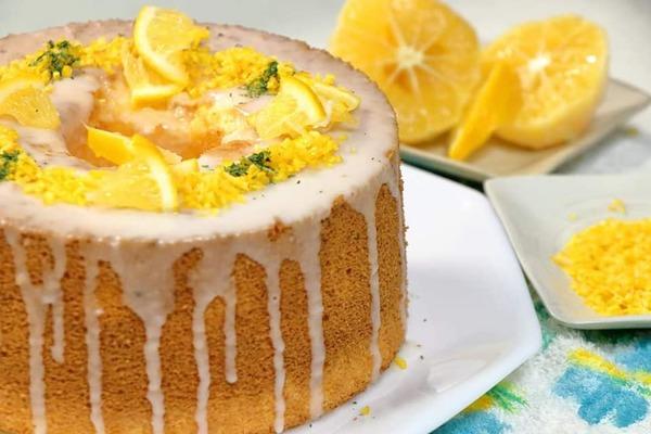 果汁たっぷりのレモンシフォンケーキを作りました
