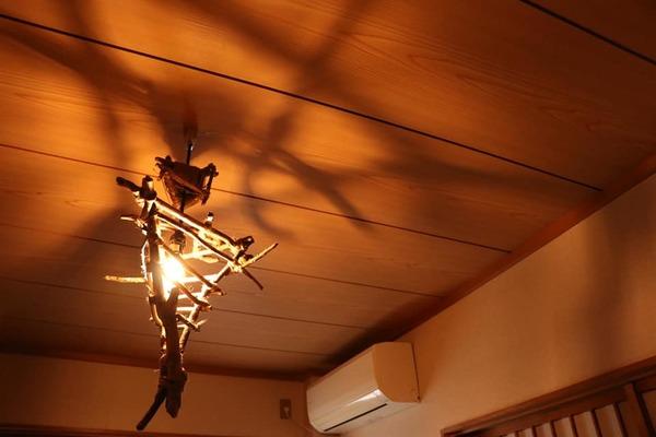 流木でランプシェードを作ってみました