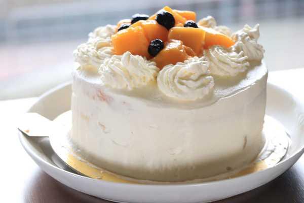 ショートケーキ作りを習って来ました